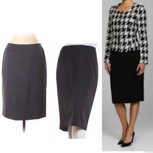 ✨Just In✨ Kasper charcoal skirt, size 6